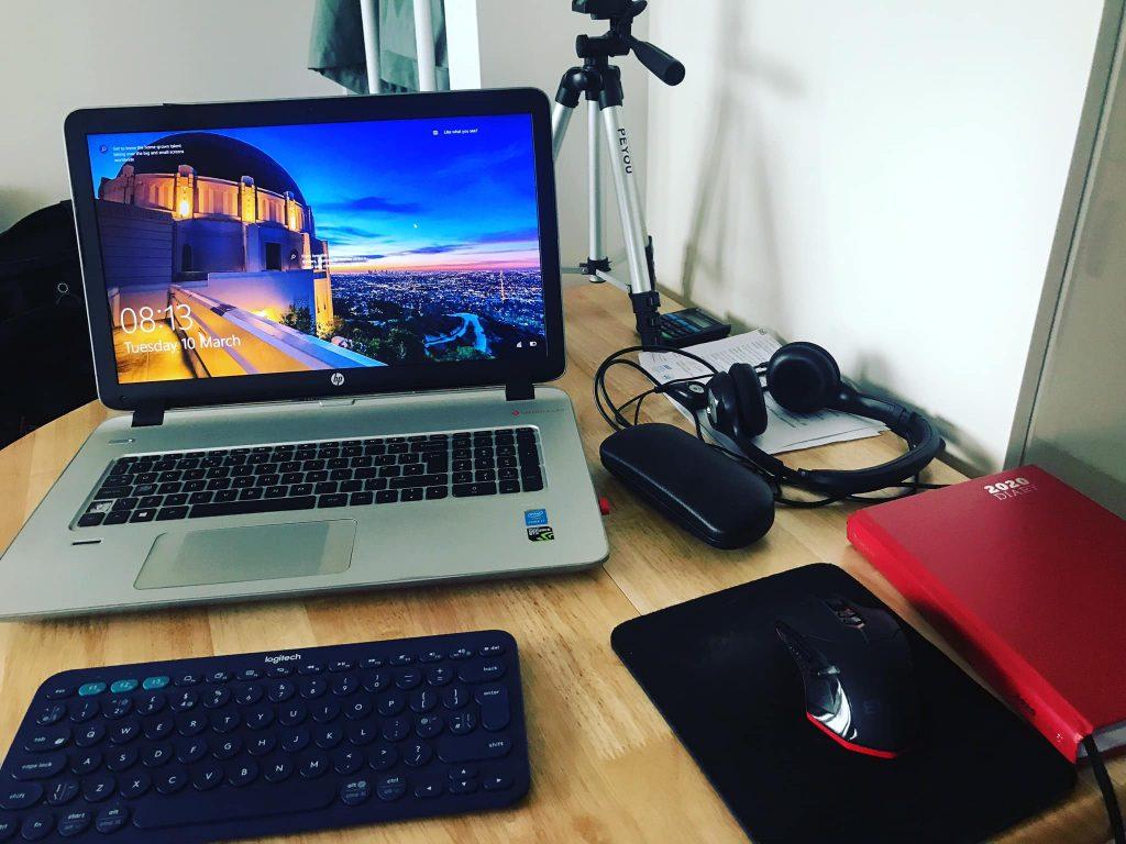 laptop-to-make-money-online