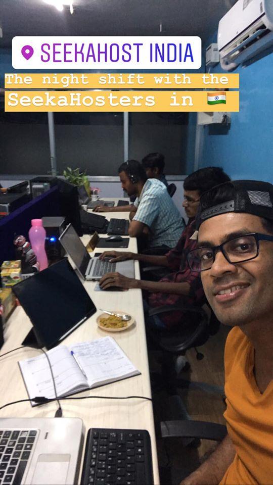 team-working-online