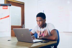 Nigerian-student-earn-money-online