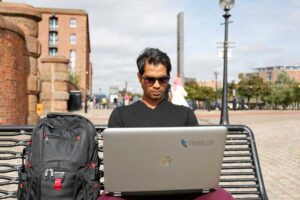 digital-nomad-working