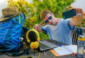 future-remote-worker-travels-and-works-on-the-go